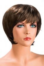 Perruque Sofia châtain : Perruque châtain aux cheveux courts ayants un aspect naturel. Elle à une jolie mèche effilée à l'avant.