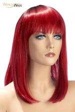 Perruque Elvira rouge - World Wigs : Perruque bicolore rouge qualité Premium, avec cheveux mi-longs en carré dégradé pour un look à la fois flamboyant et tendance.